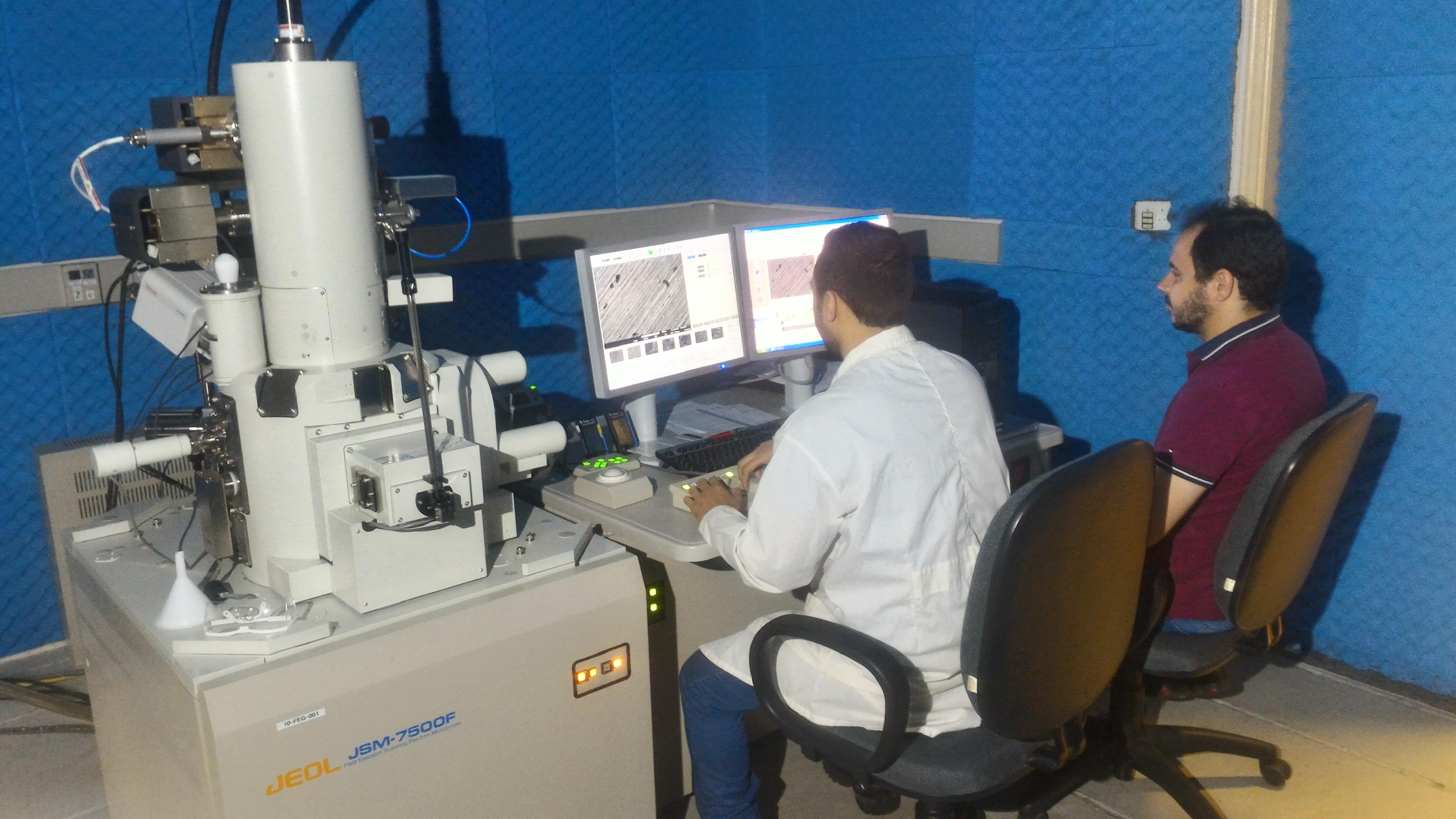 Infraestrutura CDMF – Microscópio Eletrônico de Varredura